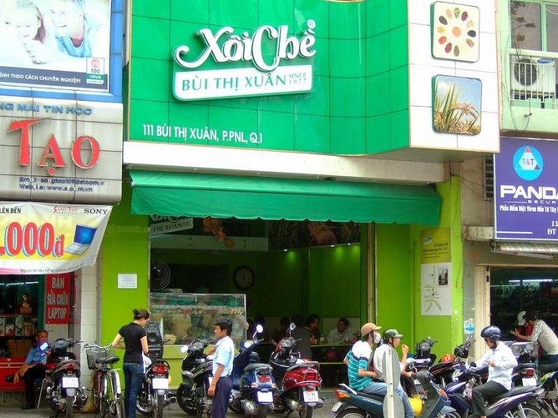 Famous place for Sticky Rice & Desserts in Saigon District 1 - XOI CHE BUI THI XUAN